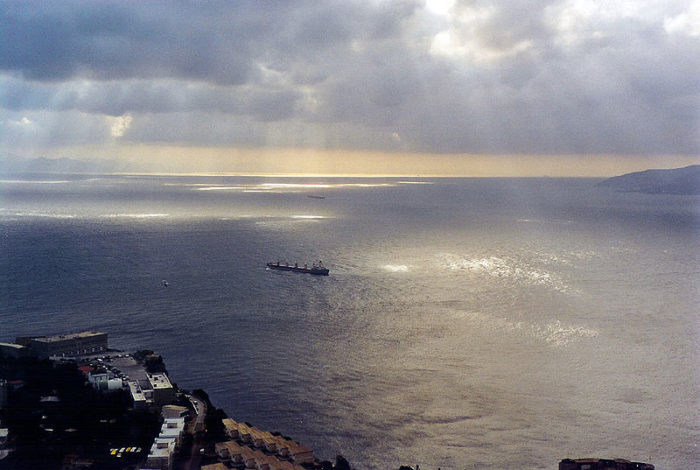 800px-Bucht_&_Straße_von_Gibraltar